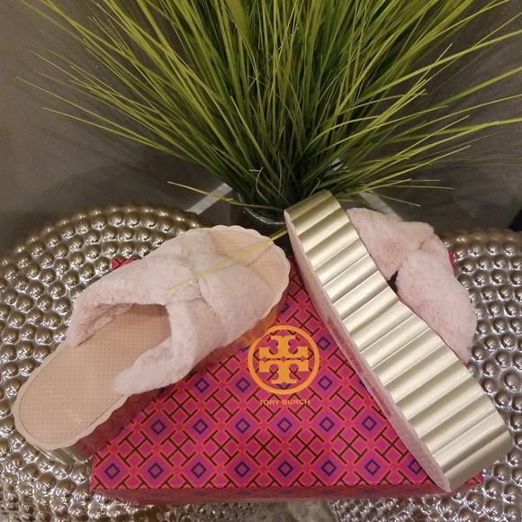 c8d3484fa TORY BURCH SCALLOP WEDGE SLIDES